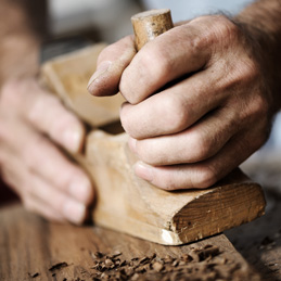 CRAFTSMEN AND LUTHIERS